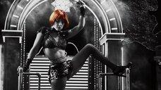 3. Эротический танец Джессики Альбы – Город грехов 2: Женщина, ради которой стоит убивать