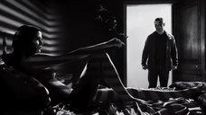 2. Интимная сцена с Евой Грин – Город грехов 2: Женщина, ради которой стоит убивать