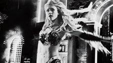 3. Ковбойский стриптиз Джессики Альбы – Город грехов 2: Женщина, ради которой стоит убивать