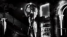 6. Ковбойский стриптиз Джессики Альбы – Город грехов 2: Женщина, ради которой стоит убивать