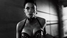 5. Дерзкая и сексапильная Розарио Доусон – Город грехов 2: Женщина, ради которой стоит убивать
