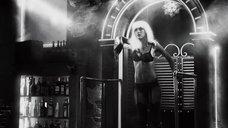 11. Шикарный стриптиз Джессики Альбы – Город грехов 2: Женщина, ради которой стоит убивать