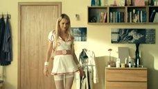 2. Анна Хилькевич в костюме медсестры – Универ. Новая общага