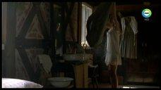 Елизавета Боярская в прозрачной ночнушке