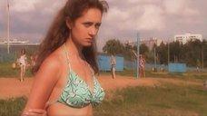 4. Виктория Исакова в купальнике – Союз без секса