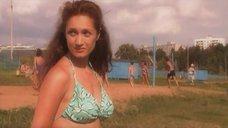 6. Виктория Исакова в купальнике – Союз без секса