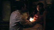 Агнию Кузнецову трогают за грудь