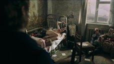 Голая Агния Кузнецова прикована к кровати