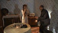 1. Екатерина Климова засветила сосок – У каждого своя война