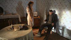 2. Екатерина Климова засветила сосок – У каждого своя война