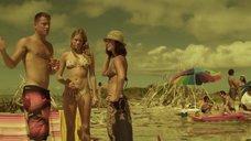 Коуди Хорн и Оливия Манн в купальнике