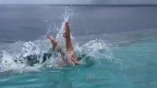 7. Екатерина Климова прыгает в воду