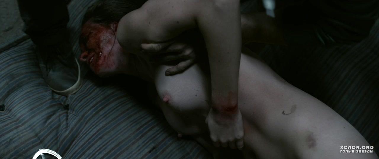 porno-film-ya-plyuyu-na-vashi-mogili