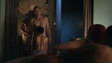 3. Секс с Люси Лоулесс – Спартак: Кровь и песок