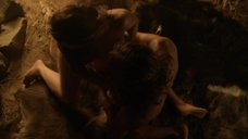 9. Секс сцена с Эрин Каммингс – Спартак: Кровь и песок