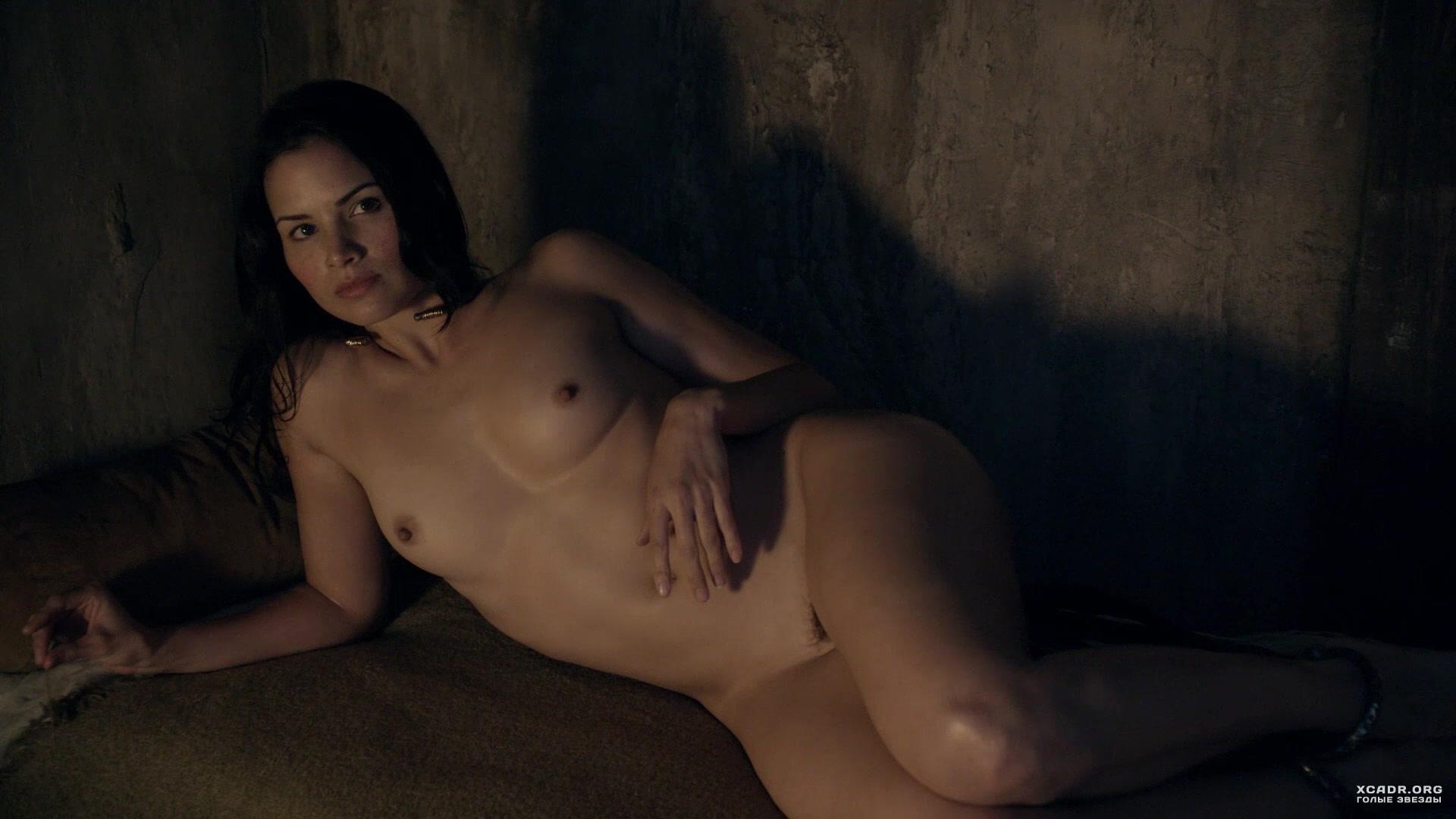 Голая Грудь Катрины Ло – Спартак: Кровь И Песок (2010)