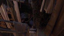 5. Лесли-Энн Брандт в позе «наездницы» – Спартак: Кровь и песок