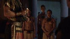 1. Полуголые рабыни – Спартак: Кровь и песок