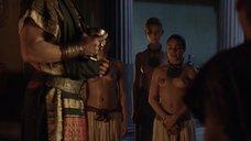 3. Полуголые рабыни – Спартак: Кровь и песок