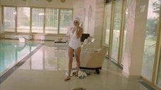 2. Агния Кузнецова в белом купальнике – Соблазн (2014)