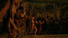 Полуголые девушки в Древнем Риме
