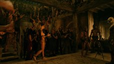 3. Полуголые девушки в Древнем Риме – Спартак: Месть