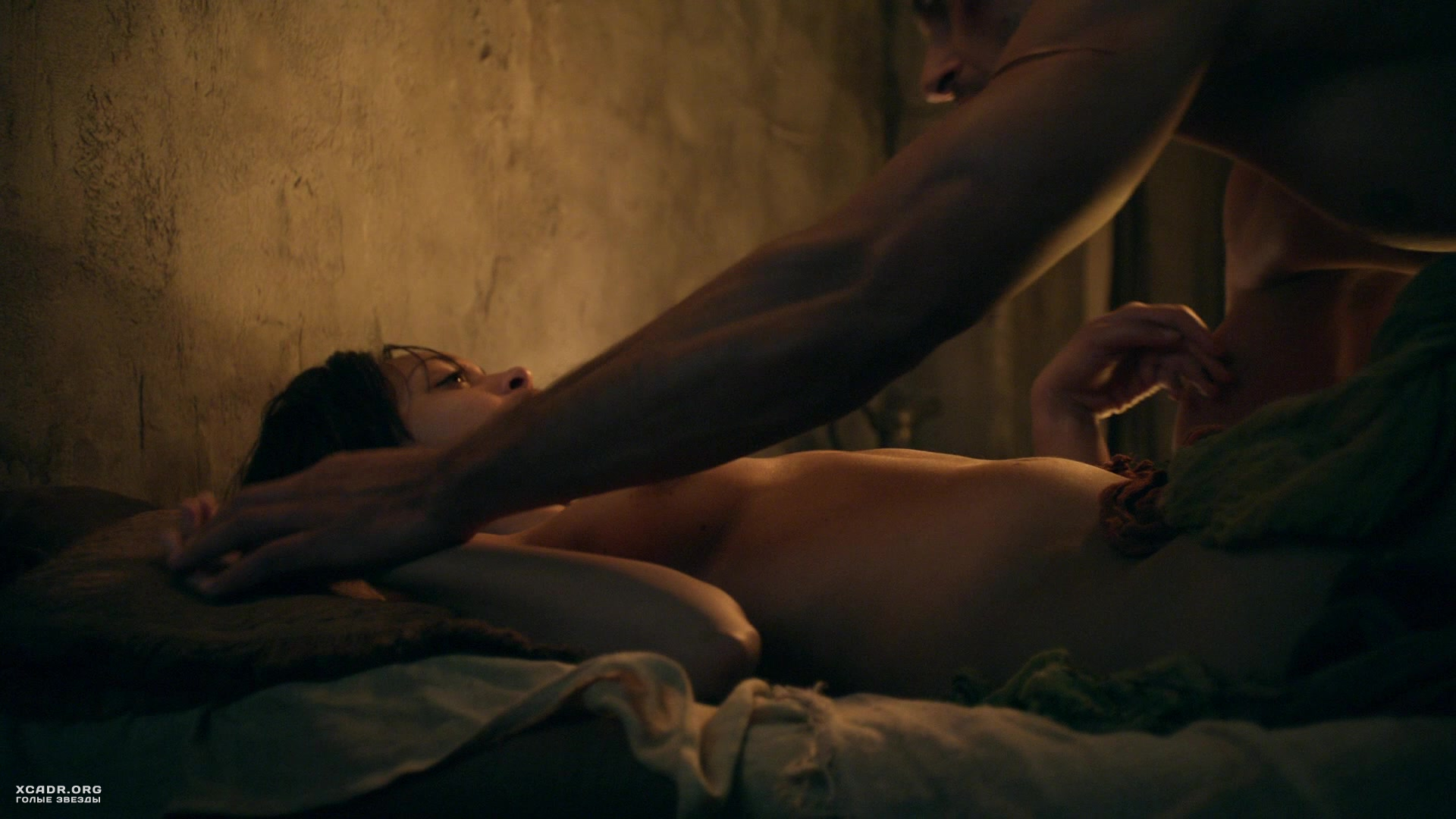 Секс С Синтией Аддай-Робинсон – Спартак: Месть (2012)