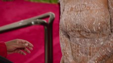 4. Ким Кардашьян в прозрачном платье