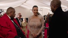 8. Ким Кардашьян в прозрачном платье