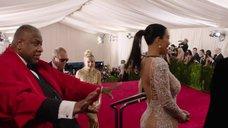 9. Ким Кардашьян в прозрачном платье