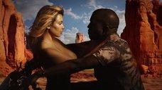 10. Соблазнительная Ким Кардашьян в клипе «Bound 2»