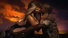 5. Соблазнительная Ким Кардашьян в клипе «Bound 2»