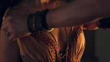 1. Дженна Линд топлес – Спартак: Война проклятых