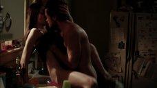 Секс с Эмми Россам на кухне