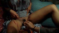 9. Дани Вериссимо показывает шрамы возле лобка – Вам звонит Градива
