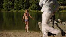 Секс с АннаЛинн МакКорд в озере