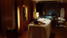 1. Мелани Тьерри делают массаж – Ларго Винч: Начало