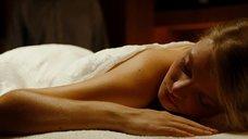 2. Мелани Тьерри делают массаж – Ларго Винч: Начало