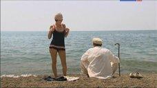 Елена Лядова в купальнике