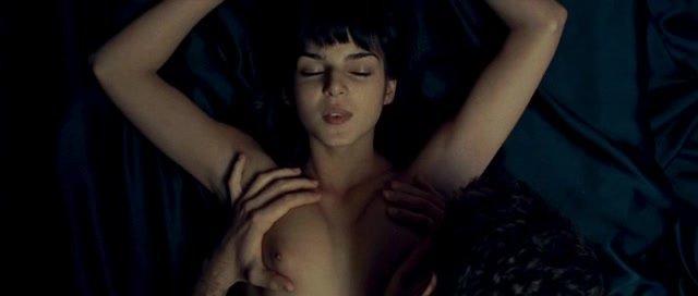 Секс С Кларой Лаго На Заброшенном Заводе – Игра Повешенного (2008)