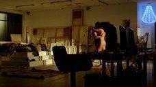 Танец с обнаженной Анной Дрейвер