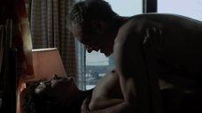 Утренний секс с Кэрис ван Хаутен на столе