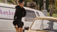 4. Наоми Уоттс в коротком платье – Четверо похорон и одна свадьба