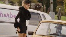 5. Наоми Уоттс в коротком платье – Четверо похорон и одна свадьба