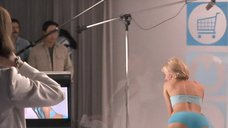 Наоми Уоттс в голубом белье
