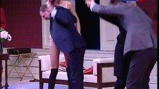 5. Паулина Андреева в белье на сцене