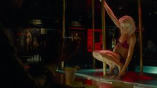 6. Беременная Наоми Уоттс танцует стриптиз – Святой Винсент