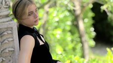 4. Красотка Хлоя Морец