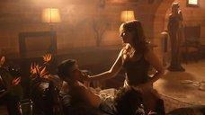 Интимная сцена с Марией Вальверде