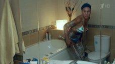 3. Дарья Екамасова в купальнике – Влюбленные женщины
